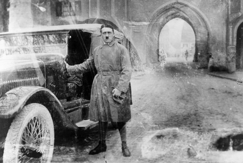 4. Гитлер 20 декабря 1924 года, сразу после выхода из Ландсбергской тюрьмы, куда он был посажен за организацию «пивного путча». интересное, исторические фото, история, фото