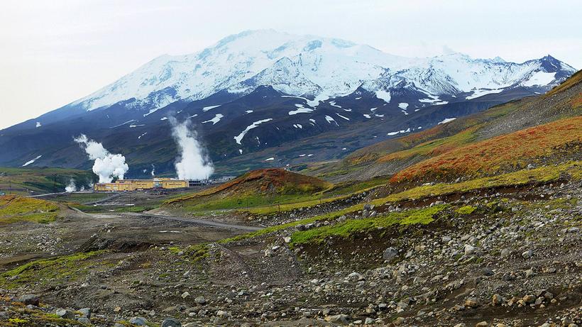 Ледниковая пещера вулкана Мутновский на Камчатке: фантастическое творение природы