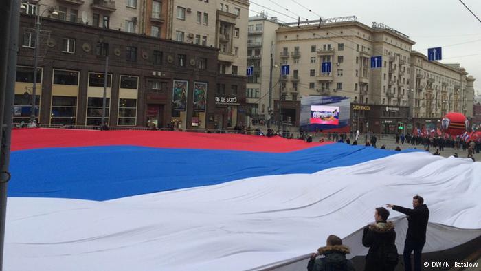Опрос: Почему россияне не любят прибалтов, но завидуют им?