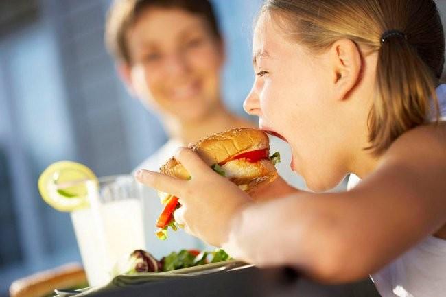 Дешевая еда – ключевой фактор ожирения американцев