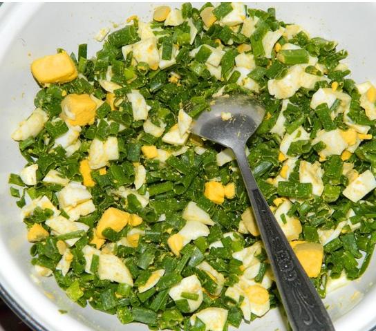Пирог с яйцами и зеленым луком- самый вкусный, весенний, солнечный