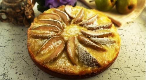 Пирог с грушами и ванильным пудингом