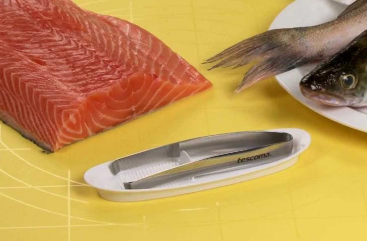 Как быстро очистить филе лосося от костей