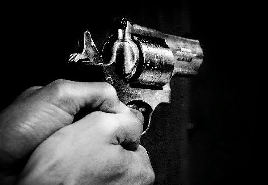 В больнице на Ямале участковый застрелил пьяного дебошира