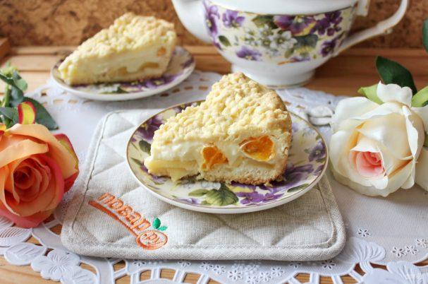 Пирог с мандаринами, яблоками и пудингом