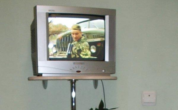 Полки под телевизор своими руками фото