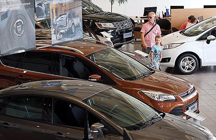 Продажи машин в России растут 15 месяцев подряд