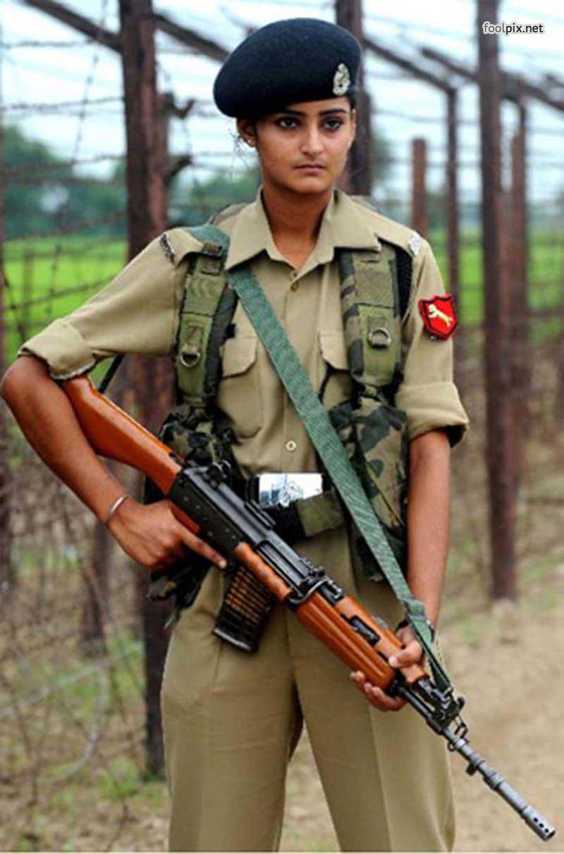 Девушки на службе в армии фото 20