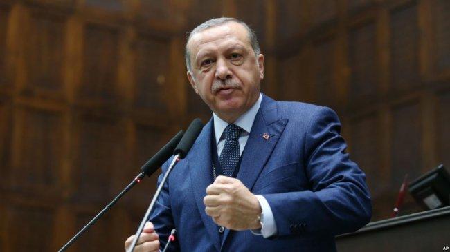 """Эрдоган решил добить """"утопающую"""" Меркель"""