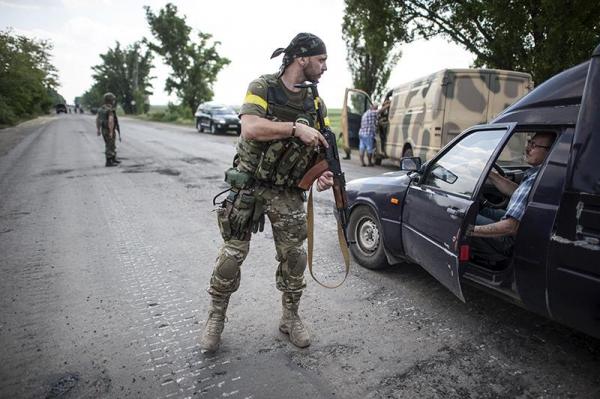 В Киеве сообщают о переходе боев вокруг Донецка в круглосуточный режим