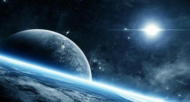 На орбите Земли обнаружен странный объект