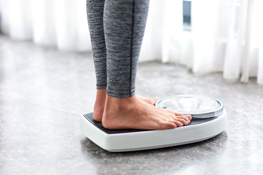 Быстро ушедшие килограммы быстро возвращаются, поэтому сбрасывать вес лучше постепенно, ктомуже это безопаснее для здоровья
