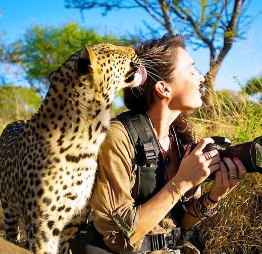 Рядом с этой девушкой дикие звери становятся ручными!  Потрясающие фото бесстрашной девушки-фотографа из ЮАР