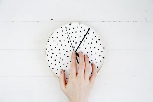 Стильные настенные часы своими руками