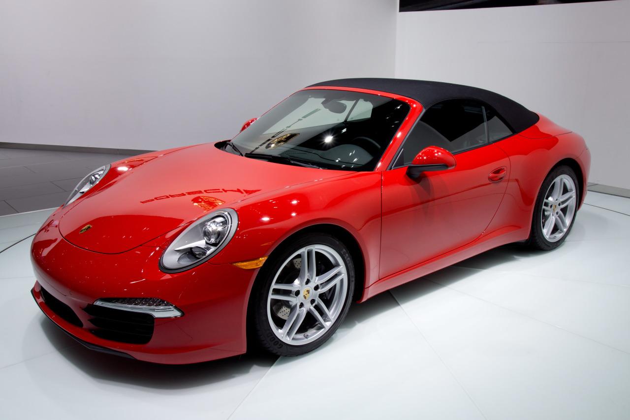 http://upload.wikimedia.org/wikipedia/commons/e/e7/2012_NAIAS_Red_Porsche_991_convertible_(world_premiere).jpg