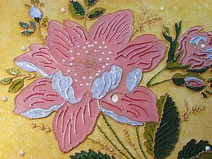 Витражная роспись: оригинальные часы «Лиловый коралл»