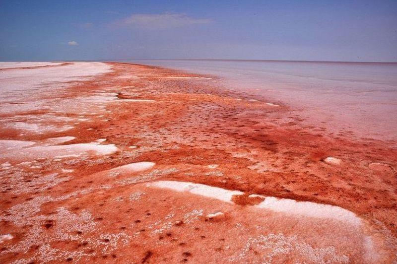 Соленое озеро Туз в Турции