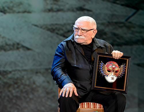 В театре Джигарханяна рассказали о здоровье Армена Борисовича