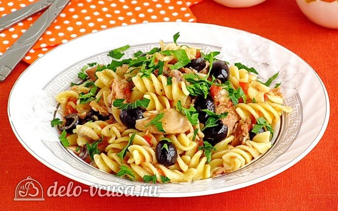 Паста с тунцом и оливками