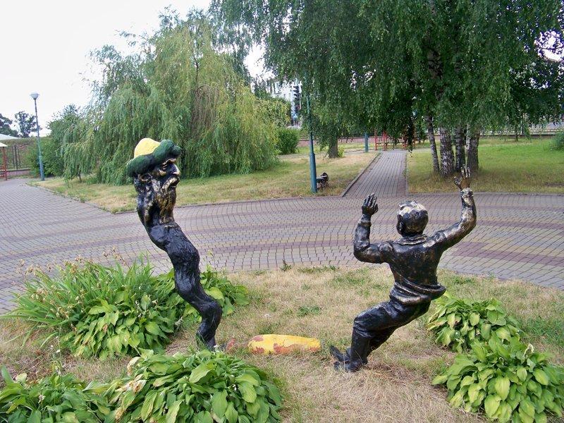 фигурки в детском парке Орша, беларусы, длиннопост, красивые города, лукашенко, путешествия