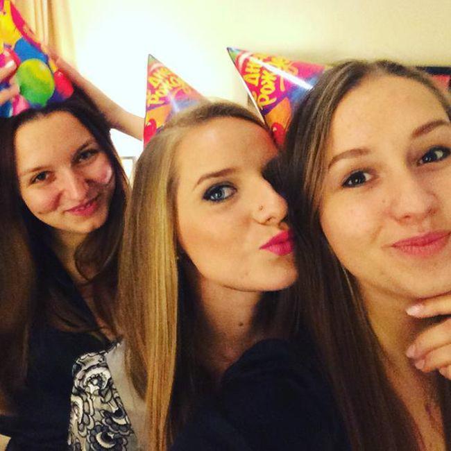 Родители челябинской порноактрисы Владиславы Затягаловой избили ее, узнав кем она работает