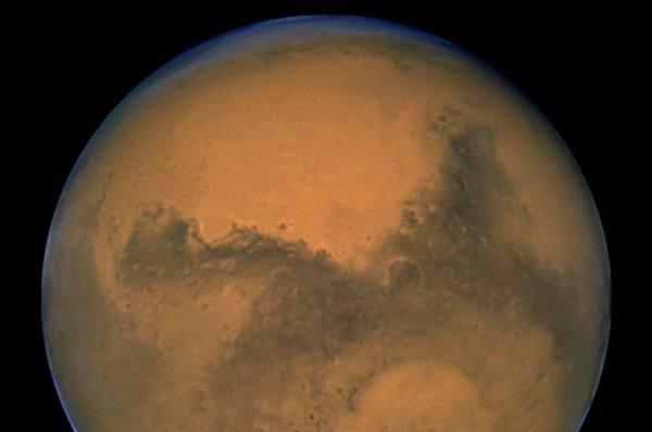 Барнаульцев приглашают посмотреть в телескоп на Луну, Марс и Сатурн