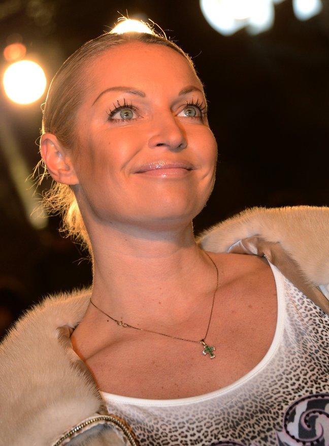 """Анастасия Волочкова о свадьбе бывшего мужа: """"Интересно, вернет ли он мне 3 миллиона долларов!"""""""
