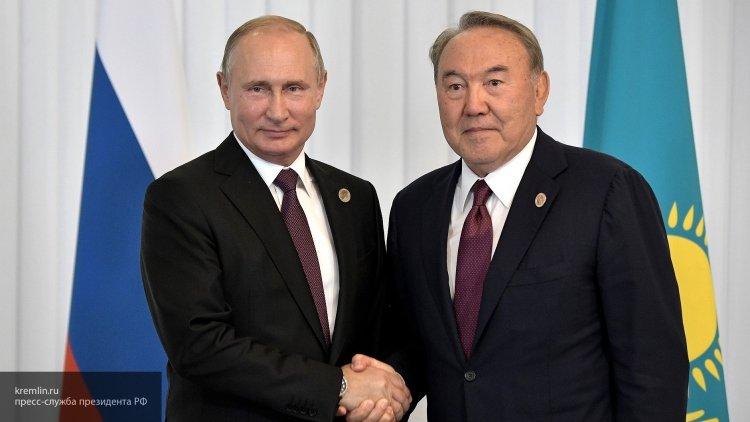 Песков рассказал о телефонном разговоре Путина и Назарбаева