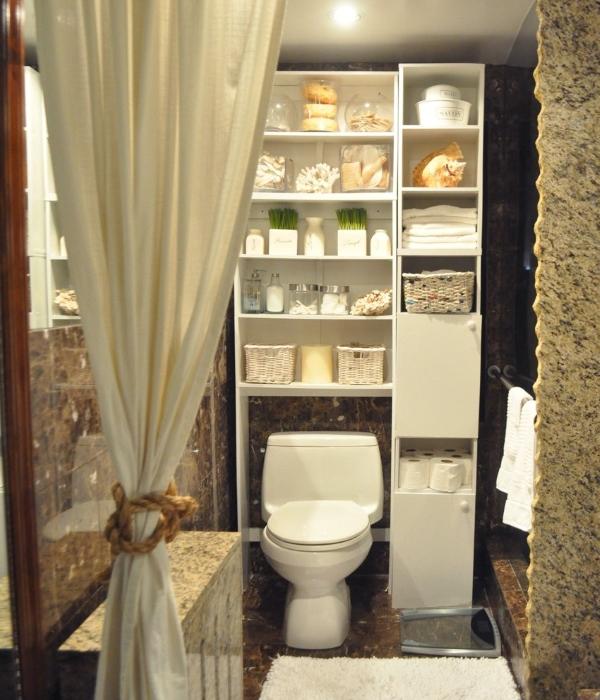Большой открытй шкафчик в туалет