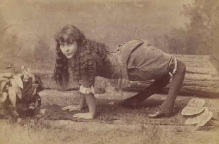 Девочка верблюд. «Цирк уродов»: Страшное зрелище (фото)