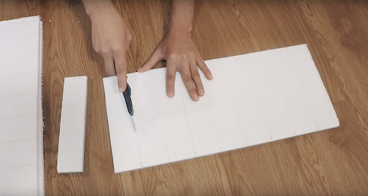 Простая техника оформления стены за копейки