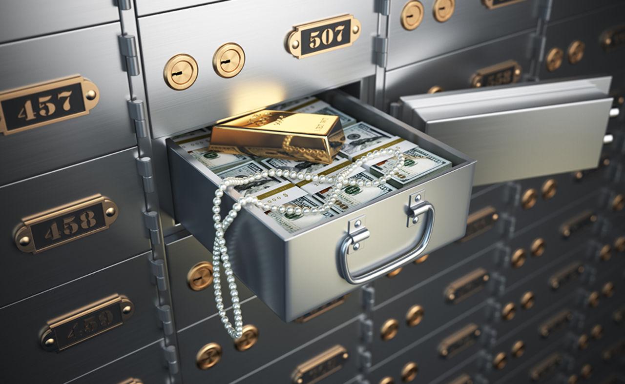 Русские успели вывести деньги: американцы смогли заблокировать менее 1 млрд. «русских» активов