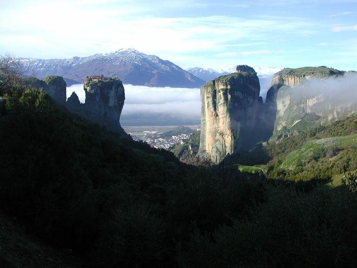 Фото Монастыри Метеоры, Греция. 15 (700x525, 45Kb)