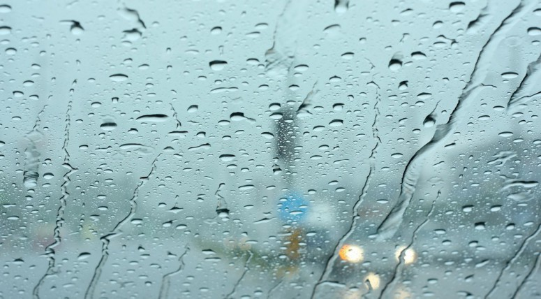 Как бороться с запотевающими окнами в машине