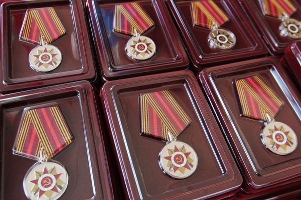 Ветераны Великой Отечественной войны награждены медалями в Бостоне