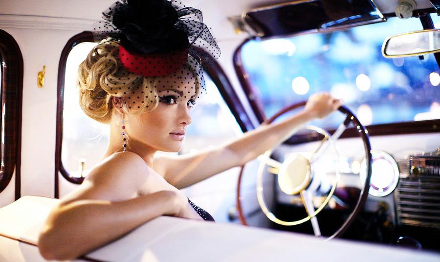woman-driving