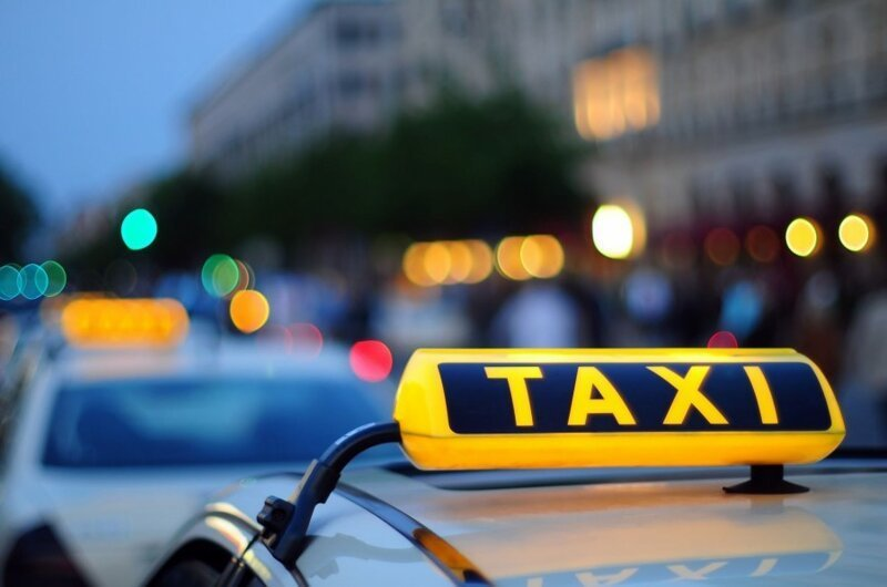 Иностранцы не имеют права работать водителем такси. Неужели?