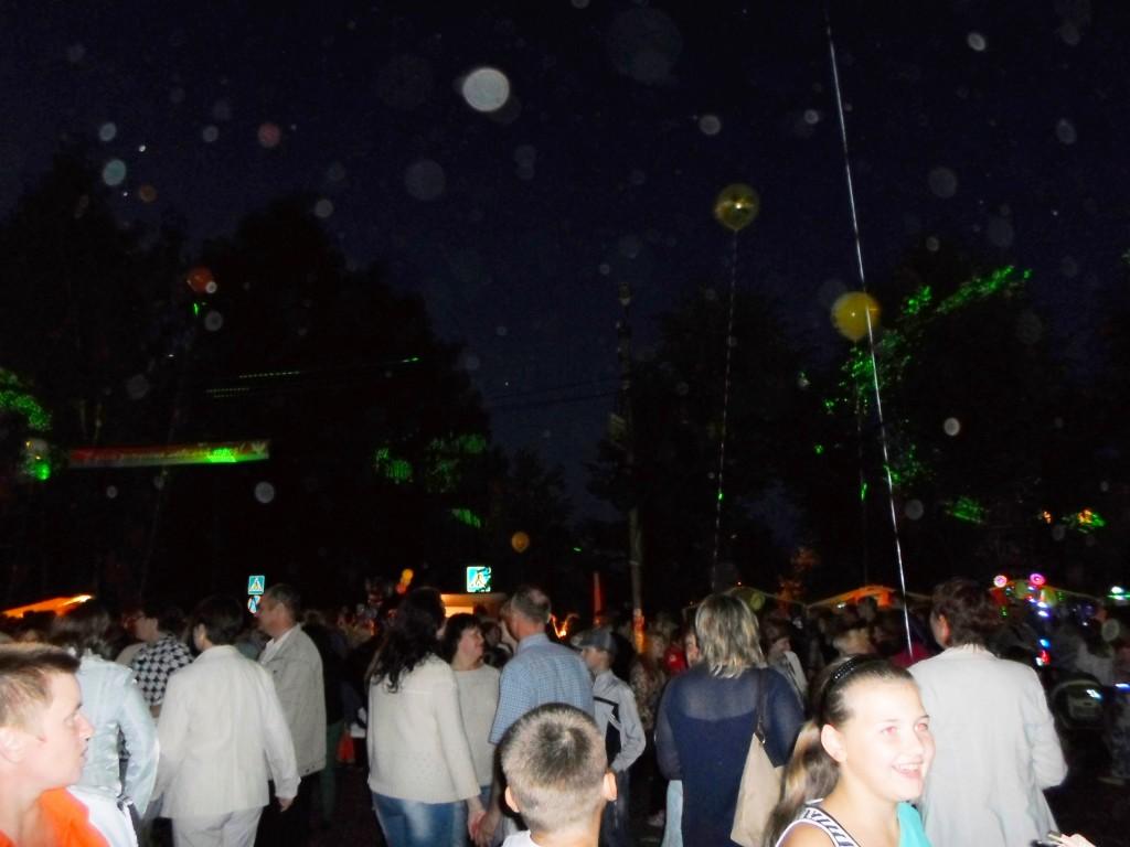 Городская площадь. Праздничная дискотека в день рождения Пучежа. Июль 2015.
