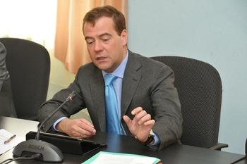 ВЦИОМ сообщил о снижении рейтинга правительства  из-за роста цен на бензин