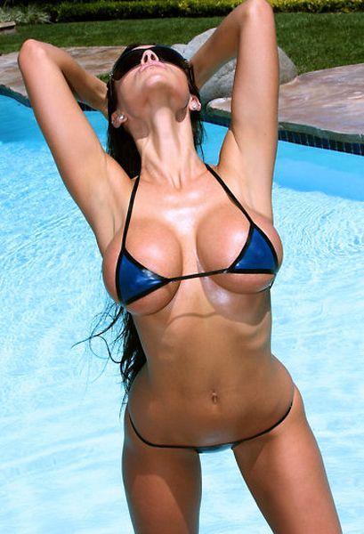 grud-v-mikro-bikini