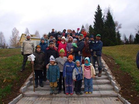 Октябрьские мероприятия 2014 года по посадкам, проведённые жителями деревни Ковчег.