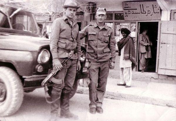 «Афганка»: почему боевые офицеры отказывались от своих кителей в пользу этой формы