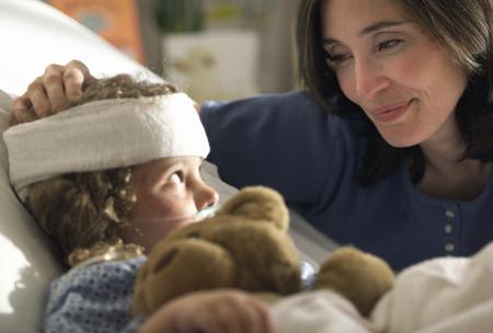 Травмы у детей: первая помощь. ''Скорая'', травмпункт, поликлиника: когда?