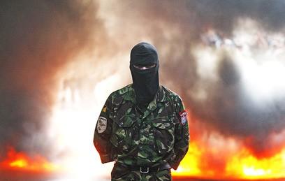 """Боевики """"Правого сектора"""" разгромили еще одну аптеку в Харькове"""