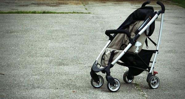 В Крыму зажало коляску с ребенком