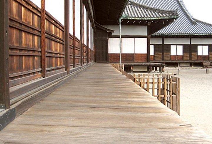 Первая японская сигнализация — соловьиные полы