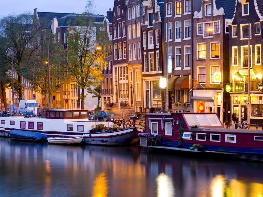 ТОП-7 самых красивых городов на каналах-8