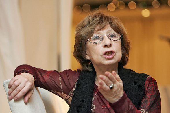 Лия Ахеджакова: Жду покаяния…