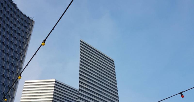 Пользователи сети нашли в Сингапуре абсолютно плоское здание