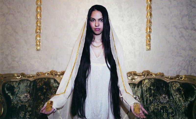 Вот как живут самые богатые румынские ведьмы